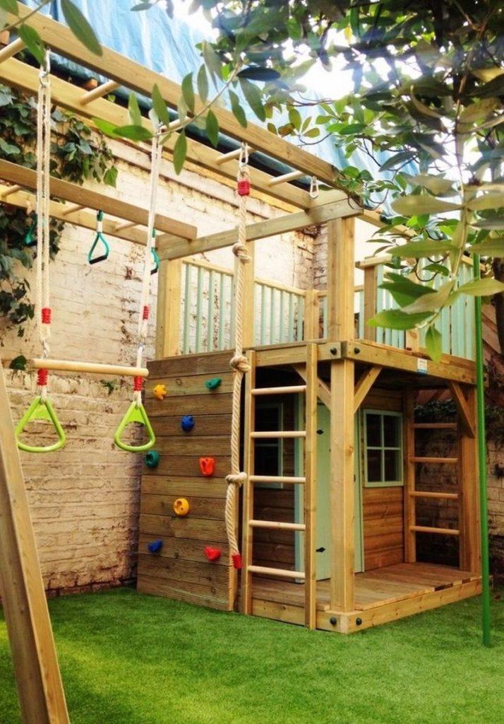 детская площадка пристроенная к дому