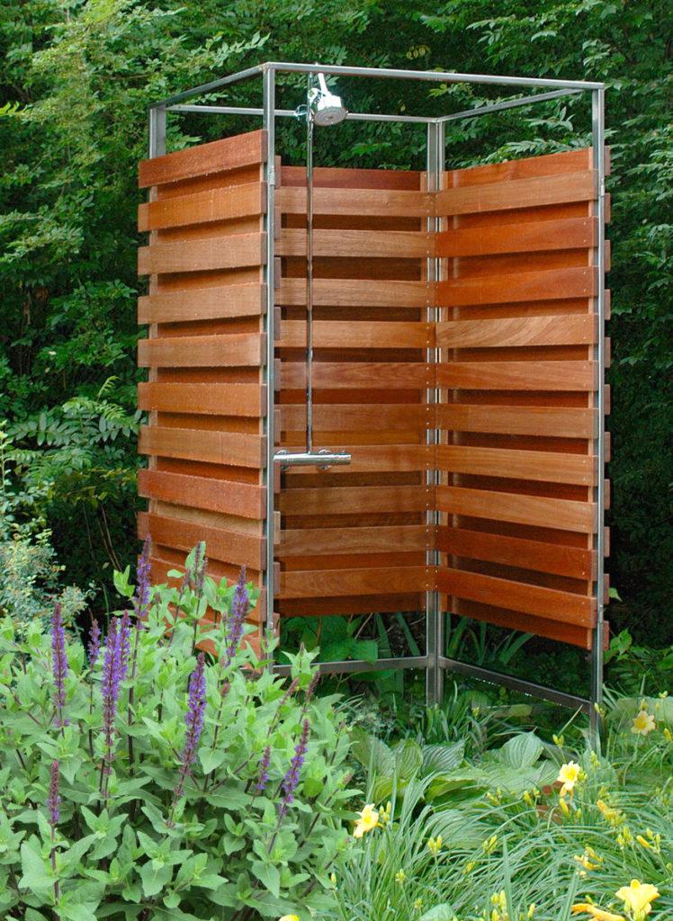 за несколько дней можно построить такой летний душ