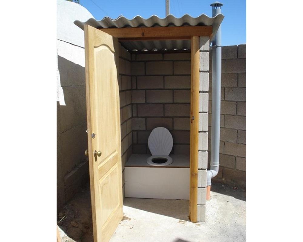дачный туалет из пеноблоков