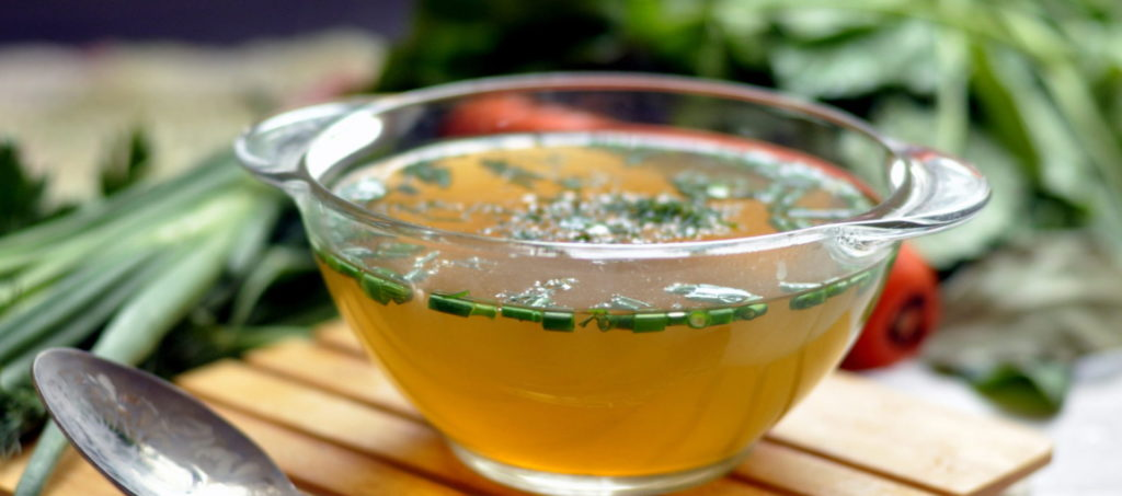 овощной суп очень питателен и полезен для домашних растений
