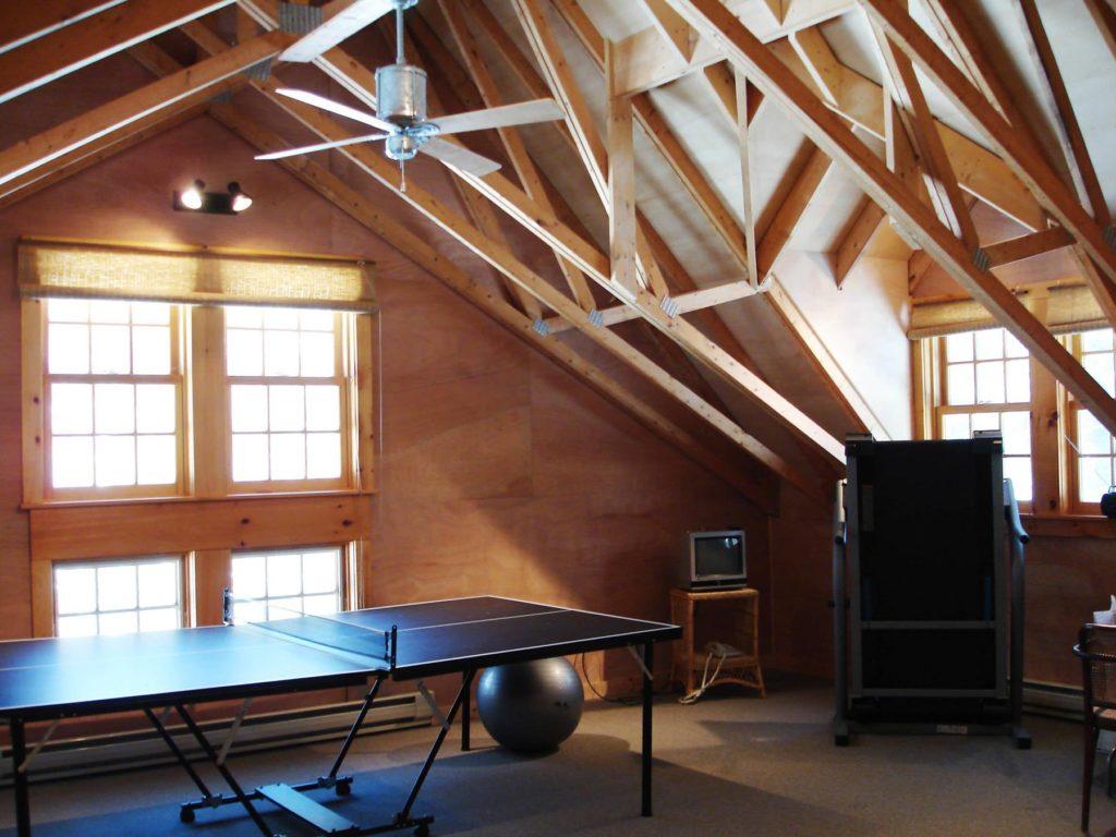 теннисный стол на чердаке